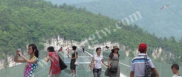 张家界大峡谷玻璃桥,新桥钢铁